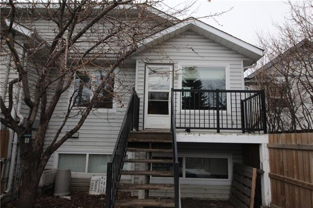 This 2 bedroom bi level unit is well situated in South Calgary. 1.5 bathrooms with large living room and kitchen area for entertaining. Bedrooms are located below grade.