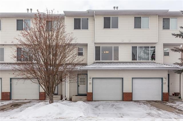 An unbelievable opportunity to live in this amazing condo community. Rarely do these units go for sale. Highlighted by the attached garage, soaring vaulted ceilings, 3 large bedrooms upstairs and a rear entrance walking straight outside where you can enjoy your bbq. Large windows aluminate the entire home with natural sunlight. Fresh new paint and brand new flooring make this a turn key ready home. Located with in walking distance to almost anywhere in Harvest Hills including all the amenities at the Country Hills Towne Shopping Centre. Schools of all levels are steps away. Conveniently located with access to a variety of major routes for your travels in any direction. Meticulous maintained and in great condition, this home is a must see.