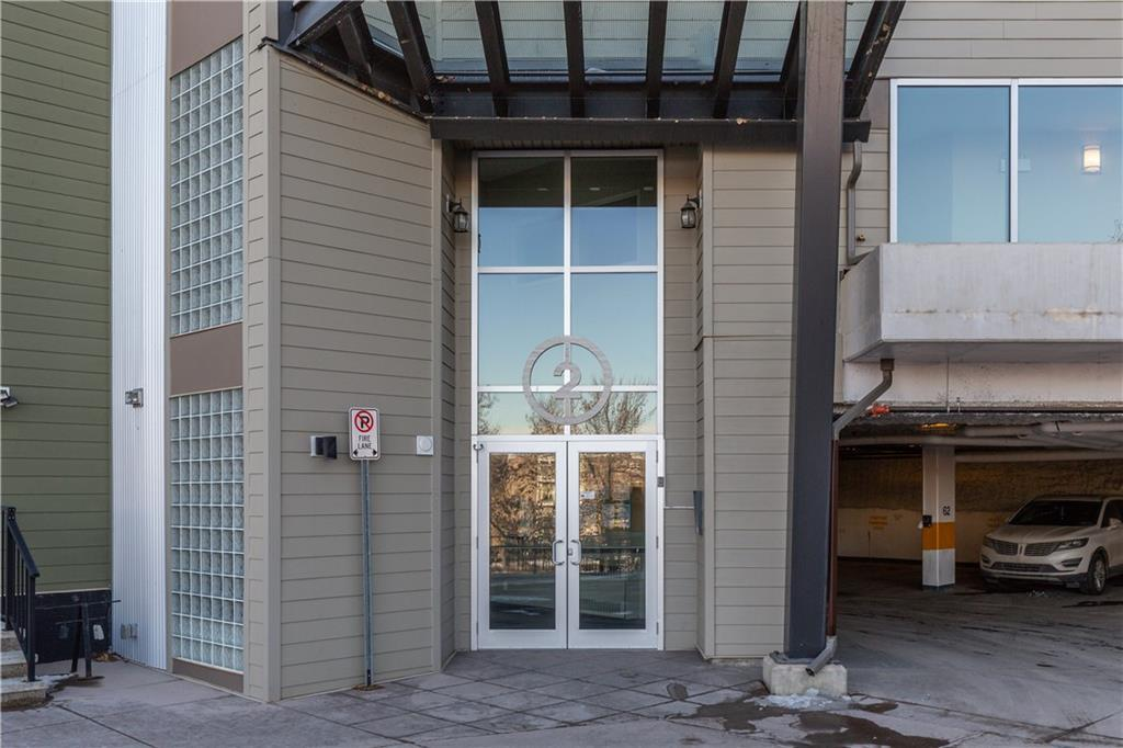 PRICE REDUCED!! Welcome to this BEAUTIFUL condo unit situated in Highland Park just a block away from Center street and a very easy commute downtown. This condo features 1 bedroom, DEN  and 1 full bath The kitchen offers Stainless steel appliances with plenty of cabinet space. Unit has west facing patio located on the 4th floor, in-suite laundry, and laminate flooring. The apartment is steps from a greenspace that can be enjoyed year round. This unit is move in ready. Call to set up your private viewing.