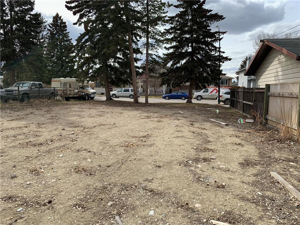 Here is a fantastic opportunity to build your own custom home on this 25 x 122 foot lot. Bring your own builder or have our reputable builder bring your ideas to life! Just a few minutes walk to the grocery store and transportation. Short 10 minutes drive to DOWNTOWN. 2 lots available side by side. Drive by and see it for your self! LAND (CURRENTLY 50X122) TO BE SUBDIVIDED BEFORE CLOSING.