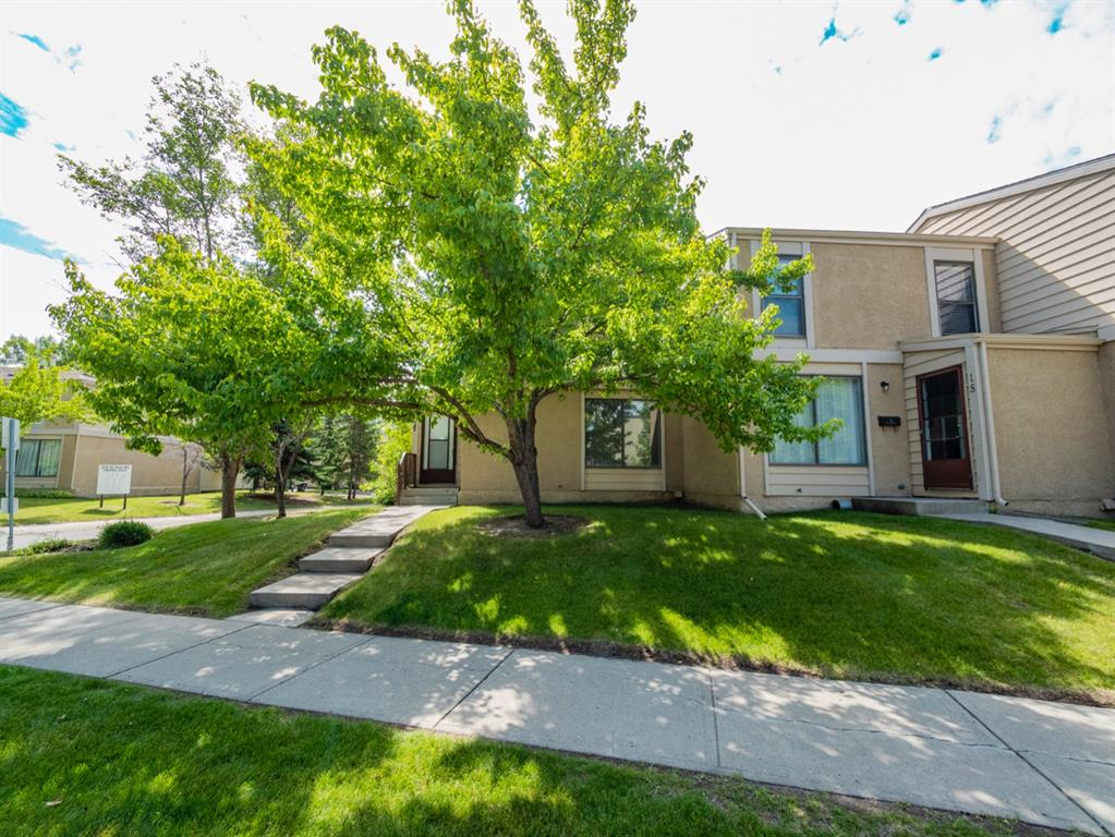 Corner unit townhouse,  featuring 3 bedrooms 1.5 baths.  Freshly painted, new flooring throughout plus a fenced backyard.  Close to schools, transit, and shopping.