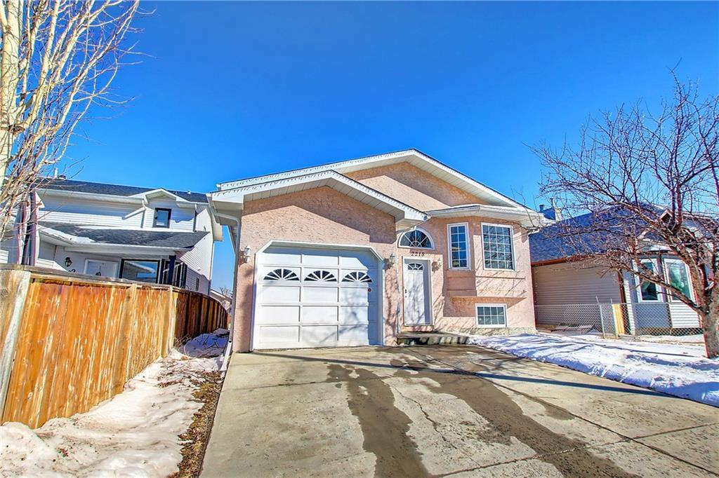This 1.449.00 ft. bi-level one of kind custom build for owners   It is  large Bi - level home with fully developed lower level and walkout basement  to back yard plus option to have independent suite subject to city approval    it is must to view with 3 bedrooms with 2 full bathrooms on main floor , fireplace, skylight  in in kitchen and much more to offer including single attached garage  one of it kind home in the in the area