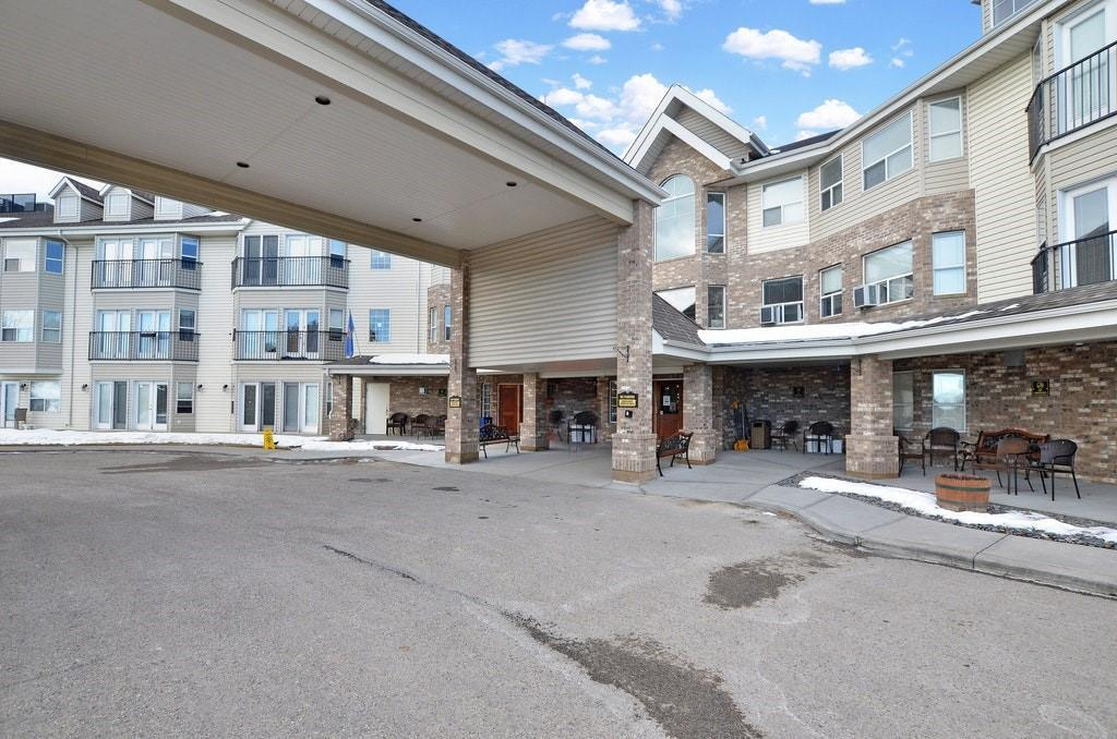Wonderful place to call home or an exceptional investment opportunity! Sunny two bedroom suite with a west exposure and ground floor patio. Totally hands free, worry free, no hassle property ownership with on site management, maintenance & leasing. Join the rental pool, sit back & let the monthly cheques roll in or move in and enjoy the wonderful carefree lifestyle. Seniors assisted living facility with a full resident dining room, library with internet access, beauty salon, bistro & a full compliment of scheduled daily activities with 24 hour nursing available. Fully rented complex with a waiting list. Call today to arrange an exclusive tour of this fabulous facility.
