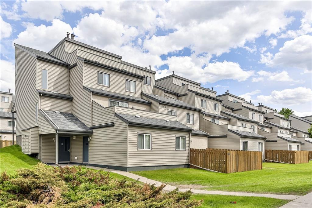 You've heard it before, these units are in an amazing location! St Andrews Heights directly across from the University of Calgary Medical Center and Foothills Hospital! Minutes away from the main campus at the University (walking distance).  Why pick this one?  Just recently renovated & updated with full hardwood to the main floor with tile in kitchen & bath.  2 Bedrooms makes for an awesome roommate set up, in suite laundry and a full appliance package rounds out the deal! Parking right beside the building door for quick access!  Top floor end unit all refreshed and ready for the next semester!! Great alternative to residence on campus and the rental possibilities are solid! Flexible possession and easy to show!!