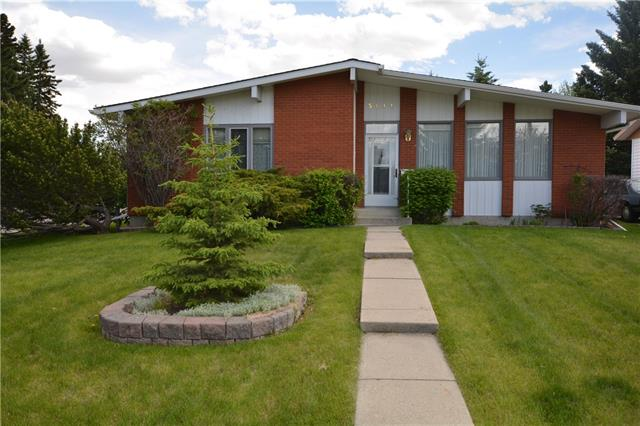 Welcome to one of the best located, LARGEST bungalows in the area. This corner lot bungalow has one of THE largest main levels in the Community. Opportunities are endless here! Home is perfect for a family w/ young kids (schools near by) or for any buyer looking for ALOT of square footage to live in & update at your own pace. Main level has 3 full size bedrooms, 2 large living rooms (1 with gas fireplace). Vaulted ceilings in front room. Master bedroom is spacious w/ 2 large closets. Ensuite is 3 piece w/ walk in shower. LAUNDRY ON MAIN LEVEL! Kitchen has newer white appliances w/ nook and dining room if need be. Rear living room has sliding doors to deck with built in hot tub. Oversized, heated, attached garage (24x22). Lower Level has plenty of space. Cold room, lots of storage, bedroom w/ 3 piece bathroom, and a workshop/exercise room. Roof less than 10 years old and newer furnace. Walking distance to West Dalhousie school, and close proximity to Dalhousie station & plaza. Won't last long!