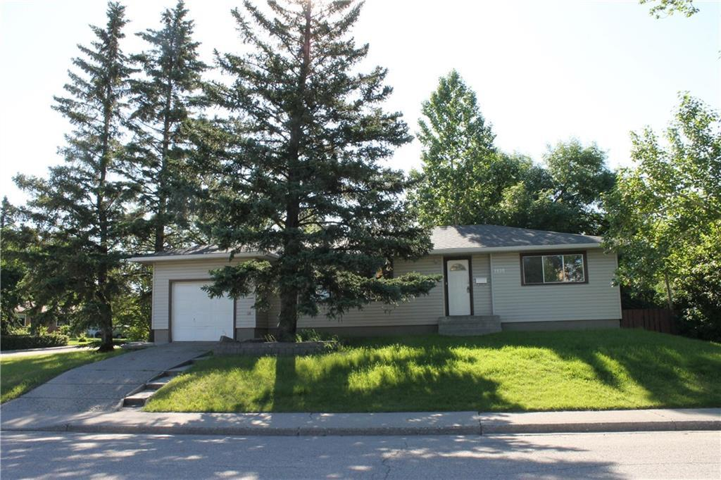 ATTENTION BUILDERS, DEVELOPERS, LAND SEEKERS & INVESTORS. RARE opportunity to own an oversized corner lot (60?X120?) with FLAT, SOUTH facing backyard in sought after St. Andrews Heights. Walking distance to Foothills Hospital, Children's Hospital, Foothills Medical Centre, and the University of Calgary. For those not ready to develop yet, this 1,163 square feet bungalow with total of 4 bedrooms and 2 full bathrooms could easily be rented or lived in for years to come, knowing the amazing future development opportunities that it offers. Basement is fully developed with large family-room, laundry, den, 4th bedroom and bath. Single garage is conveniently attached to the house. Backyard is landscaped with mature trees. Come and see for yourself - there are endless opportunities?.