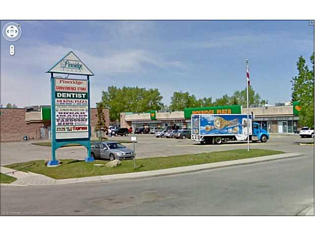 Located on the prime location in PINERIDGE one retail space 1,764 sf for lease, can be used for office retail or restaurant. Basic rent is $15/sf opt cost is $9.5/sf (Inc property tax, common area, management fee) . All tours by appointment only. Thank you.