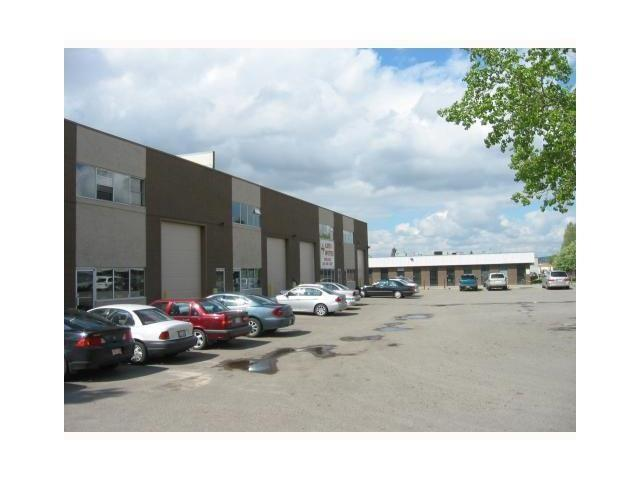 Great Location Easy Access to Deerfoot Trail and Airport. Warehouse with drive-in-dock, 22 feet ceiling, office, lunch room , washroom. Very open spaces with lots of parking.  Front drive in over head door. Corner Bay. 