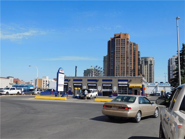 CAR WASH AND LAND FOR SALE , THE ONLY CAR WASH IN DOWNTOWN, BELTLINE, 18,300 SQ.FT LANDUCE CC-X ,HOLD THE PROPERTY AND REDEVELOPE LATER,THIS MUCH LAND IN DT CALGARY AREA DOES NOT COME UP VERY OFTEN, FAR IS 5 .WITH BONUS IS 8, VERY WELL RAN CAR WASH , IT COME WITH 5 TANDUM BAYS, CARD SYSTEM,COIN COLLECTIVE SYSTEM, MAKE $ WHILE YOU SLEEP, PERFECT INVESTMENT. PLEASE CALL THE LISTER FOR ALL INFORMATION,PLEASE DO NOT APPROACH ANY EMPLOYES.. OWN A CAR WASH IN THE DT.CALGARY...