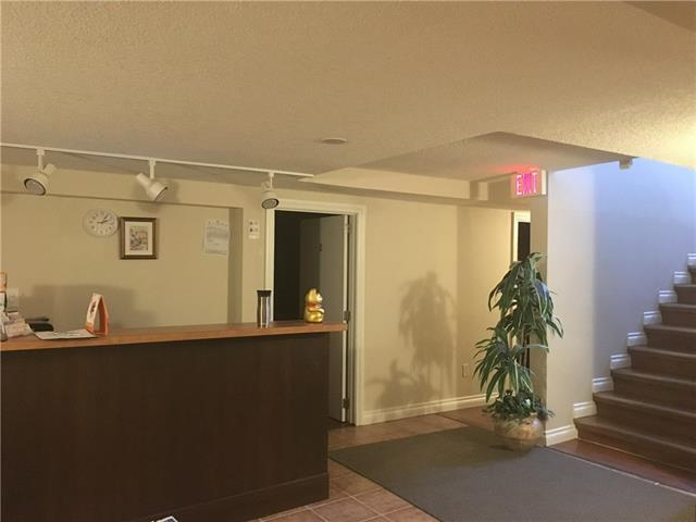 Great Turn-key opportunity massage therapy located in high density of Tuxedo Park. 1,610 sq,ft with newly renovation, there are 3 private luxury rooms + 1 private personal room and a foot massage room plus shower room. Annual income appox $130,000-$140,000. Good turn-key business and continue to growth. Serious inquiries only. Please do not approach staff or owner. Tour by appointment only. Thanks !