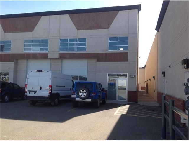Located in Kingsview Industrial Park........ multi unit industrial condominium complex. This 1575 sf unit has a 10x14 overhead door, one man door, overhead heater, Finished 2 pc bathroom. Approximate dimensions 29wx54D. Zoning is IB-1...refer to the City of Airdrie website for a complete list of uses. Great access to Hwy II, Calgary Int Airport and Balzac Mall. Limited small spaces available in Airdrie!!!!!