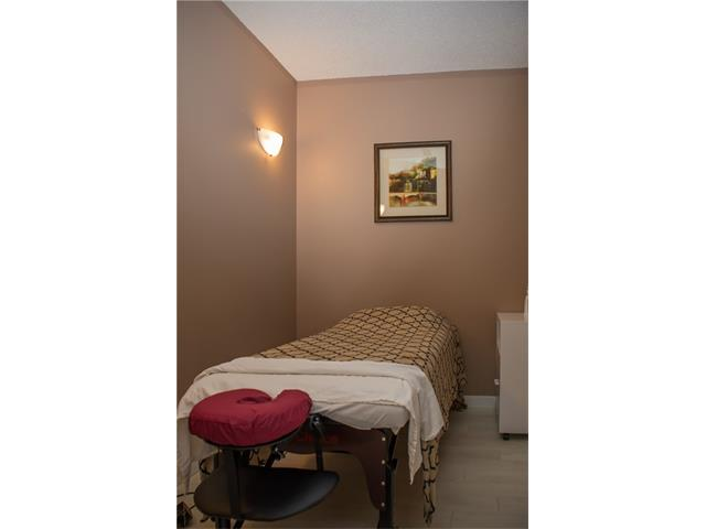 Price reduce for quick sale ! Successful massage therapy clinic, great location in NW Calgary. Sales have been increasing year over year even in this economy. Specializing in personal massage, accidental injury and acupuncture. Rent payment is $1900.00 included op cost. Lease has 1 1/2 year left plus renewal option. Great turnkey business. All your by appointment only, please do not approach staff. Thanks !