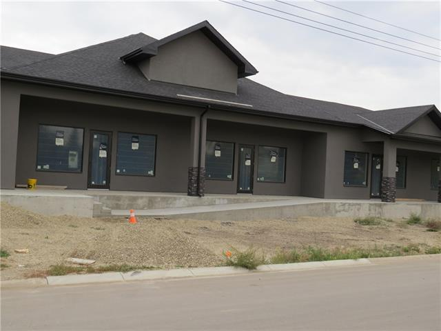AMAZING POTENTIAL WITH THIS RETAIL COMMERCIAL BUILDING IN CARSTAIRS! 11 UNITS FOR LEASE! LEASE ANYWHERE FROM 1056 SQFT TO 7106 SQFT! TONS OF OPPORTUNITY. ALSO THERE IS A 3480 SQFT FREESTANDING BUILDING SUITABLE FOR A RESTAURANT OR PUB. CALL TODAY FOR A PRIVATE VIEWING!