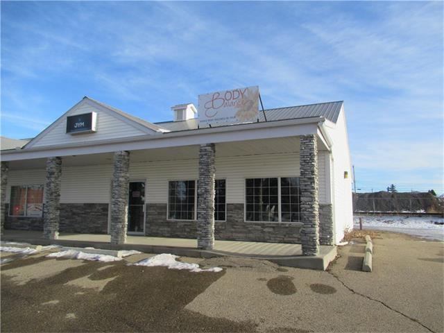 1431 sq/ft retail/office space for lease along main street in Olds. High traffic area with large window facing the street. Wide open space with in floor heat and access to high speed internet (Fiber with speeds up to 1000Mbps)