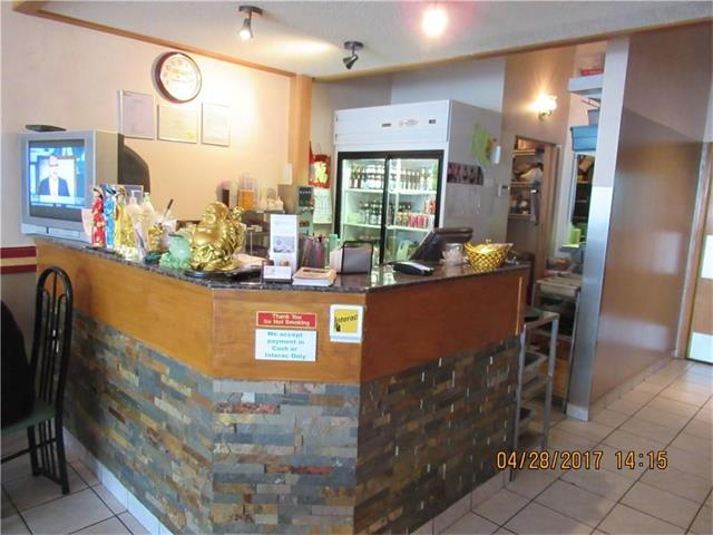 Busy take out and Dine in Vietnamese restaurant, current owner operated for over 15 years, 48 seats in 1450 square feet space, open from 10 AM to 9 P, 6 days a week, close Sunday, a new 5 years lease at $32/ft end September 2022, with a 5 years option, Operating cost $11.50/ft, Cable $150/m, Utilities $700/m, very good income for this family run restaurant, financial statement available, located in the most busiest shopping center, with a lot of traffic flow through all day long. Fully equip with commercial kitchen, makeup air, and a lot more, will provide a list of equipment. Please call your realtor for more detail.