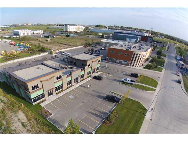 Office unit for Sale or Lease in Gateway Industrial Park. For lease $12-$14 Second Floor / $16-$18 Main floor PSF annually. Space Available: 4,674 SQ FT total, 3110 sq ft is available on the main floor and 1564 sq ft is available on the 2nd Floor. Only Unit 1 and 3 are available, unit 2 is rented. 2016 additional rent $10.00 per sq ft. Parking: 45 stalls (1:343 sq ft).
