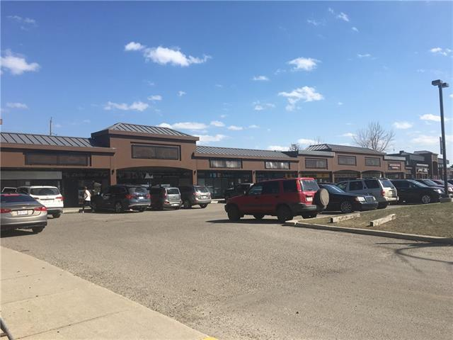 Excellent location retail space for lease in Busy Golden Acres Shopping Plaza. 2,422 sq.ft.. Net rent $25.00, and Op cost $9.00+. Ample parking spots. Available immediately.