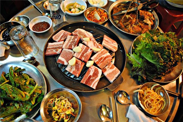Sales over $50,000/mo since last years! Fully equipped & licensed Korean restaurant located in 4 NW Calgary. Surrounded by a well mix of residential, retail, and commercial areas, 2 schools nearby, free standing building has ample parking lot. This 2,100 SF 80 seats restaurant can be converted into other type of restaurant such as Chinese, Vietnamese, Mediterranean, Italian and Mexican subject to Landlord's approval. Interior renovation was done in 2 years, 20 potential patio seats. PLEASE DO NOT APPROACH STAFF. TOURS ARE BY APPOINTMENT ONLY.