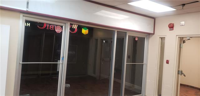 Fabulous retail space in Chinatown for sale! 248 sqft with a condo fee of $330 (including gas & water).  Property Tax is $1,223.24 (2017).  Quick possession is possible.  Call listing agent for details.  Tours by appointment ONLY.  Thank you.