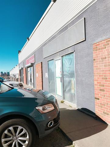 Great location ! Ideal for Owner occupied or Investment. 2500 sf plus over 1000 sf NO CHARGE Mezzanine of storage space. Great 12 ft bay door entrance into the warehouse. Close to Downtown, easy access to Deerfoot highway. Very well managed property with 5 signed parking and ample visitor parking. I-C Zoning allow retail, personal service uses, entertainment, professional offices industrial and instructional uses. No automotive uses for the space.