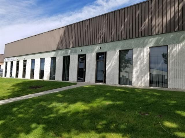 Fantastic Opportunity For Wholesale, Shop, Warehouse & Office Space. 2 Dock Doors. 4 Assigned Parking Stalls. Great Location Just Off 42 Ave & Blackfoot Trail, Easy Access To Glenmore & Deerfoot.