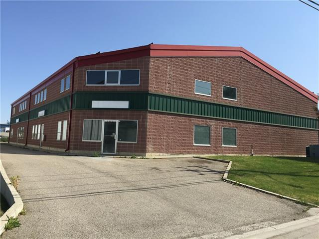 2500 sq feet of main floor Commercial Bay Space for lease. Due to economic conditions, we are offering the mezzanine sq footage as a bonus and it is NOT included into the square footage. (1000-1500 bonus sq feet.). The doors are 14feet high, ceiling height is 32 feet. Only 2 bays left! 1 with demised mezzanine office space, the other with open office/storage space. These bays are wide, with high clearance and close access to deerfoot trail and blackfoot trail. 2 parking spots included per/bay + plenty of street parking. Private entrances via door for businesses and personal washroom per/bay. Excellent curb appeal and prime location in the SE of Calgary, AB. Lease is for 3 years at an annual basic rent of $12.50/sq ft + $5.15/sq ft operating costs. Contact agent for details.
