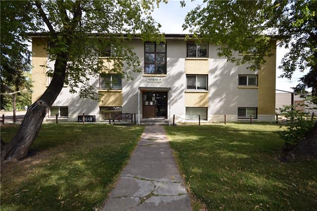 12 suite apartment in excellent rental area on Red Deer's east end. 11 Two bedroom and 1 One bedroom. Rents are between $750-$850 with most rents being increased to $825-$850 in the future. Six bay detached garage is each rented separately (1x$175, 1x $150, 4 x $200). Gross income of $124,200/year is approximate. Huge pie lot. Building foot print is 48 x 60. Two levels above grade with basement level at half grade. Alley access to ample parking. Property may have condo conversion potential. Complete viewings only with accepted offer in place. Annual Expenses are $59,727.