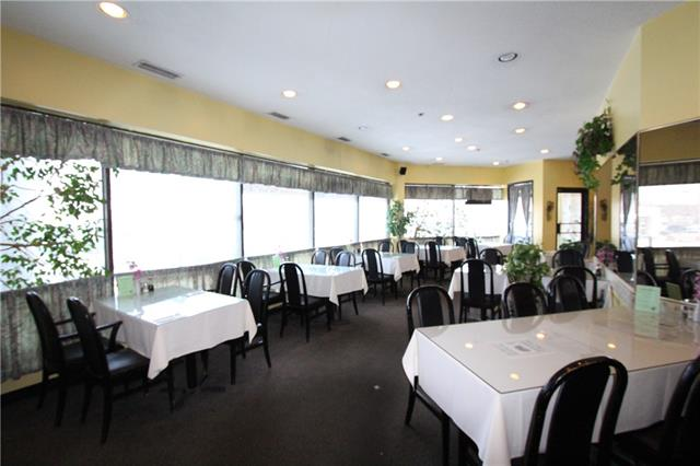 Well established 50 seat dining room Restaurant. Serving Authentic Chinese Food menu Steady Lunch & Dinner client?s also very good take-out and delivery business. Good location lots of common parking Ideal for family run business fully equipped commercial kitchen serving the communities of Winsor Park and Kingsland , Haysbroro, and Chinook Park . All viewing by appointment Please do not approach the staff Thank -You