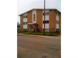 GREAT INVESTMENT PROPERTY WITH EXCELLENT CASH FLOW. LOCATED AT THE HEART OF THE TOWN AND COSE TO AMMENITIES, SCHOOLS. BANKS AND BUSINESSES.  STRUCTURALLY SOUND BRICK AND METAL SIDING EXTERIOR, BOILER IS LESS THAN 3 YEAR OLD, COMMERCIAL HOT WATER IS LESS THAN ONE YEAR OLD. GOOD MIX FOR A SMALL TOWN: 3-BACHELORS, 13 1-BEDROOMS AND 2 2-BEDROOMS.  PROPERTY OPERATING DATA IS AVAILABLE TO BE EMAILED AS NEEDED.