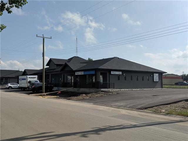 AMAZING POTENTIAL WITH THIS RETAIL COMMERCIAL BUILDING IN CARSTAIRS! 5 UNITS FOR LEASE! LEASE ANYWHERE FROM 1200 SQFT TO 6144 SQFT! TONS OF OPPORTUNITY. ALSO THERE IS A 3480 SQFT FREESTANDING BUILDING SUITABLE FOR A RESTAURANT OR PUB. CALL TODAY FOR A PRIVATE VIEWING!
