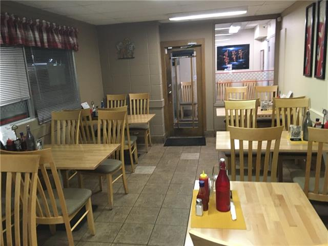 Clean and Busy Restaurant in a High traffic location in the Industrial area of Highfield.  Monday to Friday Operation