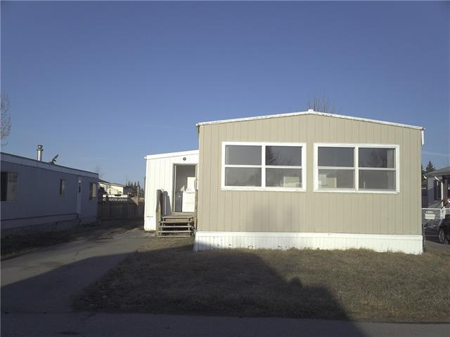 """Great starter home in move in condition, close to transit and shopping.Please use showingtime for viewing. Sold """"as-is, where-is"""". Schedule A required with offer. Lot rental is $1025/Month and included water sewer,garbage and cabel neternet."""