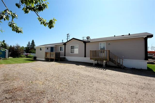 2006 Moduline Industries, 1216 sq ft, 3 bedroom, 2 washroom modular home which shows 100%. Set up in the Aloha mobile home park . Have a look around first and come look at one of he best values in Olds for Modular s.  Affordable lot rent currently at $400/month.Fridge, Stove, dishwasher, washer, dryer, some window coverings all included. Nice sized Entry/Boot room addition measures 8'x12' O.S. Low maintenance vinyl siding. If your looking for affordable newer house close to shopping, hospital then consider this home.