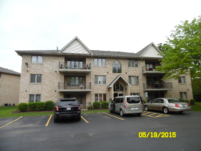 Spacious 2 bedroom, 2 bath, Condo with large living and dining area. Walk-in closets, master bedroom bath. All appliances including washer and dryer included... no pets....there are also 2 parking spaces...