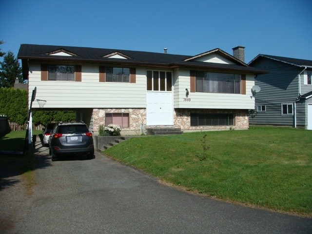 Great family house in central location! Home offers 3 bdrms up w/2 pc ensuite and 2 bdrms fully finished bsmt. Close to both levels of schools, Sungod Recreation Centre and very easy access to Alex Fraser Bridge. Call for more info. and viewing.