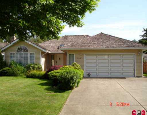 """""""PRESTIGIOUS CRESCENT HEIGHTS""""  Rarely available 3 BR/2 Bath custom built Execut ive Rancher on quiet st. with newer homes. Features spacious, open floor plan wi th convenient kitchen, O/S island, separate eating/area adjacent family room."""