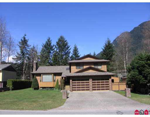Very well cared for 4 level home located on a large lot just 1 block from the be ach at Kawkawa Lake. This home offers many extras including 2x6 construction. Ce ntral air, sunken living room, 3 fireplaces, 3 bathrooms, interior throughout,