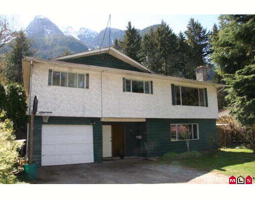 Family home in great area. Large 1/3 acre property. Quiet crescent street across from wooded park. Home is ready to update. Covered rear deck.