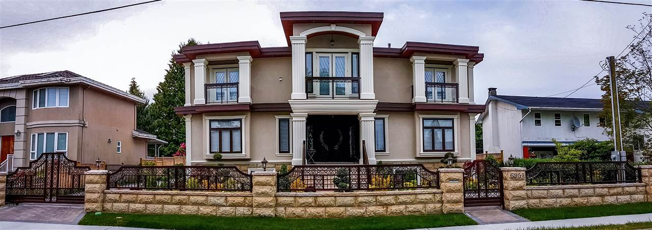 A luxurious, custom crafted home w/ mountain views on the North & ideally positioned near Sperling Elementary. Aside from its high-end craftsmanship, this home has great functionality: 3-stories, 4705 sqft on a 80.67x98 lot; you will find it is generously proportioned and its layout flexible to suit your needs. This open-concept home boasts many desirable features, including: 11 bathrooms,7 bedrooms,2 offices,home theater system w/ a 3D projector,9ft ceilings,rich hardwood floors,crystal lighting,steam room,vast storage,gorgeous decorative paint,gourmet kitchen,high end appliances,granite counters,a/c,HRV,automation,security system w/cameras & fully-finished double garage. A masterpiece of a home; a dream come true for those accustomed to the best quality in design, finishing & lifestyle.