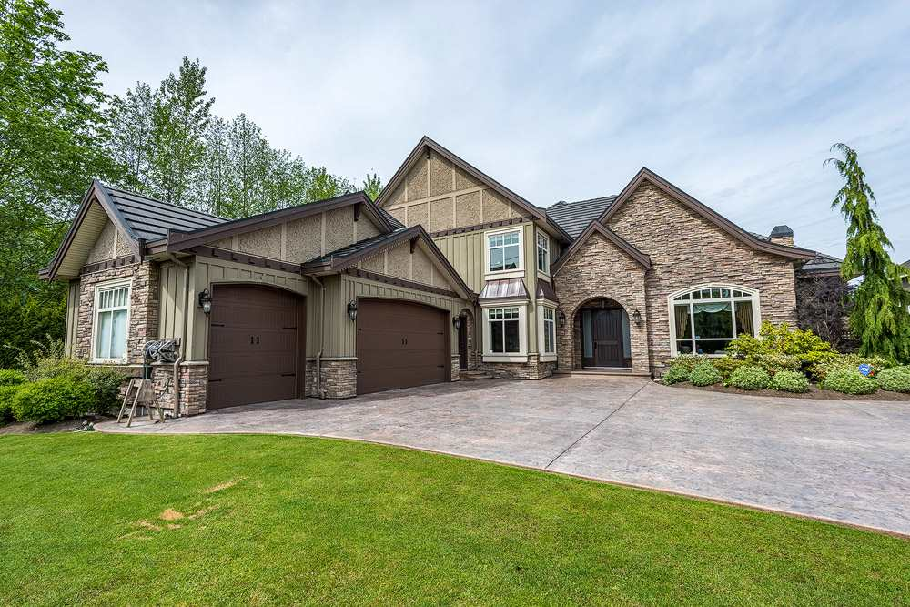 6 year new luxury house! Beautiful custom build 5000 sq ft home in the prestigious Morgan creek area, with 14,000 sq ft lot. 2 master bdrms w/ fireplaces, total 5 bed + 6 bath, with wok kitchen. Theatre room with soundproofing. Immaculate detailing throughout the entire house. Endless wainscoting, mouldings, crowns, custom high ceilings, cabinetry & granite/ marble countertops. Natural sunlight throughout the whole house. Gorgeous landscaping and a huge stamped stone driveway.