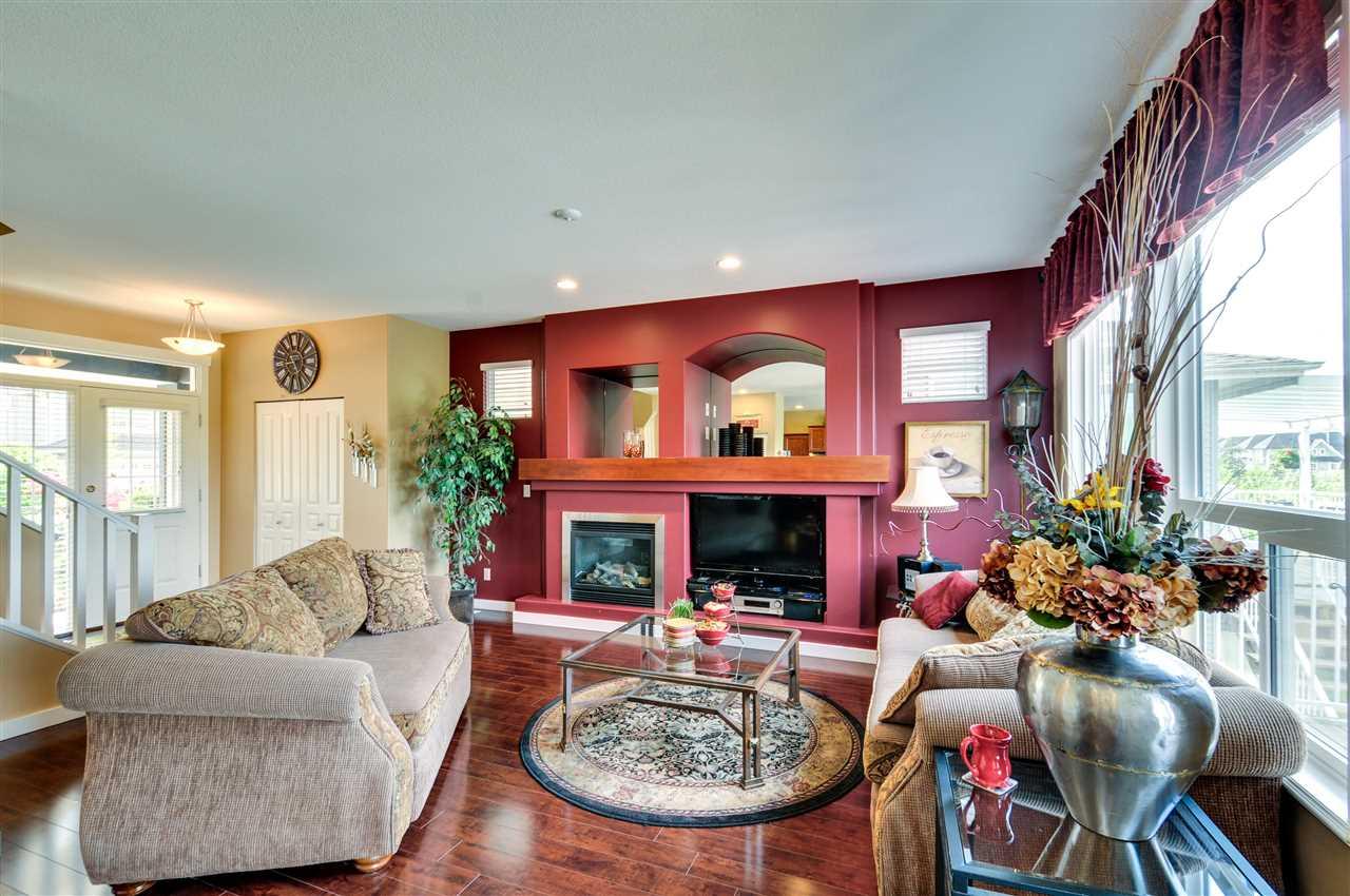 "17'1"" x 12' Living Room"