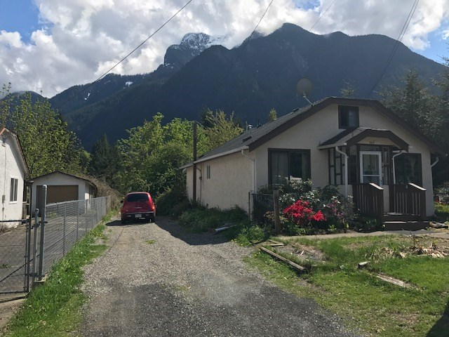 INVESTOR ALERT! Large 50' x 120' (.14 acre) lot on residential side of Wallace. Substantially updated 11127 sq.ft., 2+ bedroom home. Ideal starter or retirement home. Lots of room to garden and build a shop. Room for RV, walking distance to shops and amenities. Would be a great site to build a new home. Explore your options.