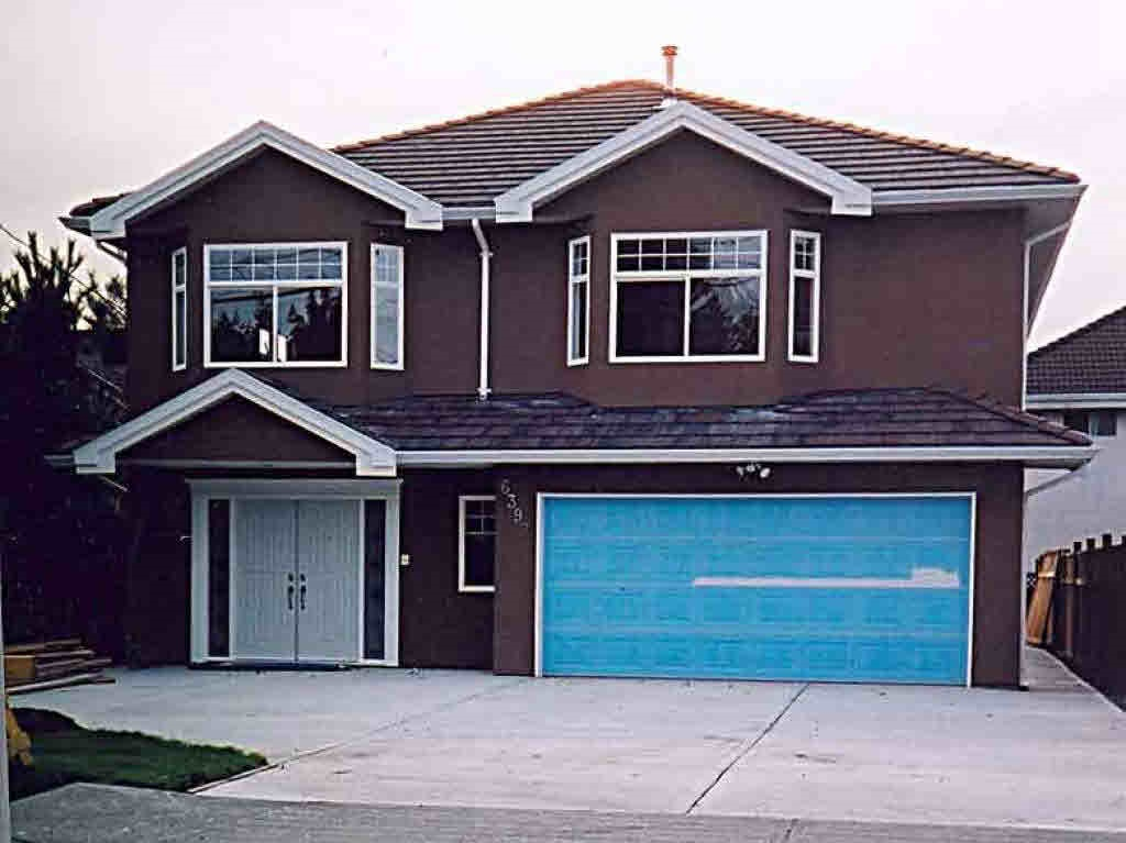 Money machine! 7 bedroom home with 2 separate suite on ground floor (2 bdrm and 1 bdrm suite). Easily $2000 p.m. Very well kept, laminated flooring, granite entrance, granite countertops with island in kitchen lead to a family room. Sunny west facing backyard for garden lovers, lots of parking on front of property.