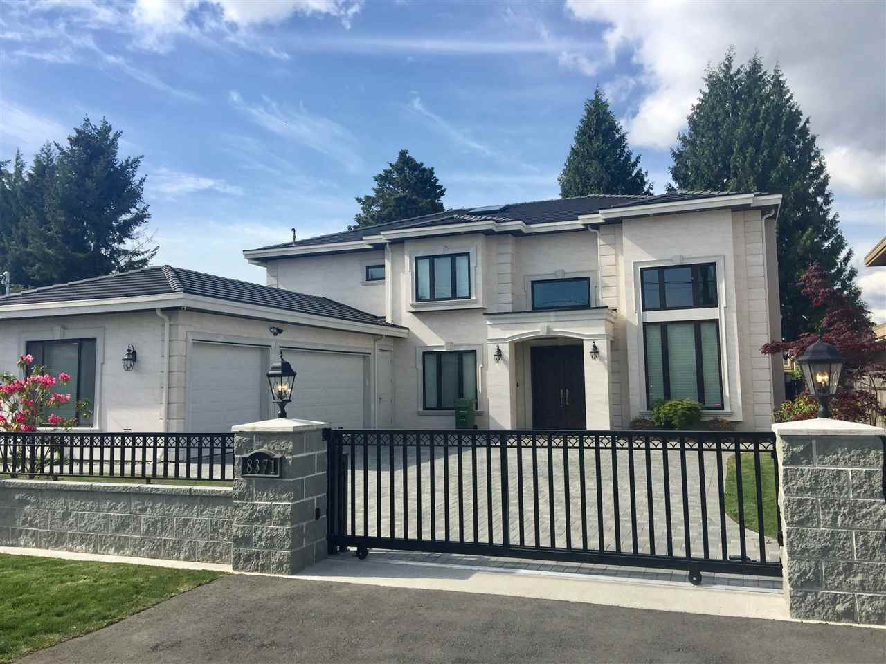 In prestigious Saunders neighbourhood, Custom built 3,626 sf house with functional floor plan. 5 bdrms, 5.5 baths, office, wok kitchen, media room, 3 car garage on 66 x 120 sf south facing lot. Elegant finishing and fine workmanship with all top of the line appliances. Features natural stone countertops, skylights, crown moldings, A/C, HRV & more. Walking distance to schools, shopping center, park, South Arm community center and public transportation. Call for your private viewing.