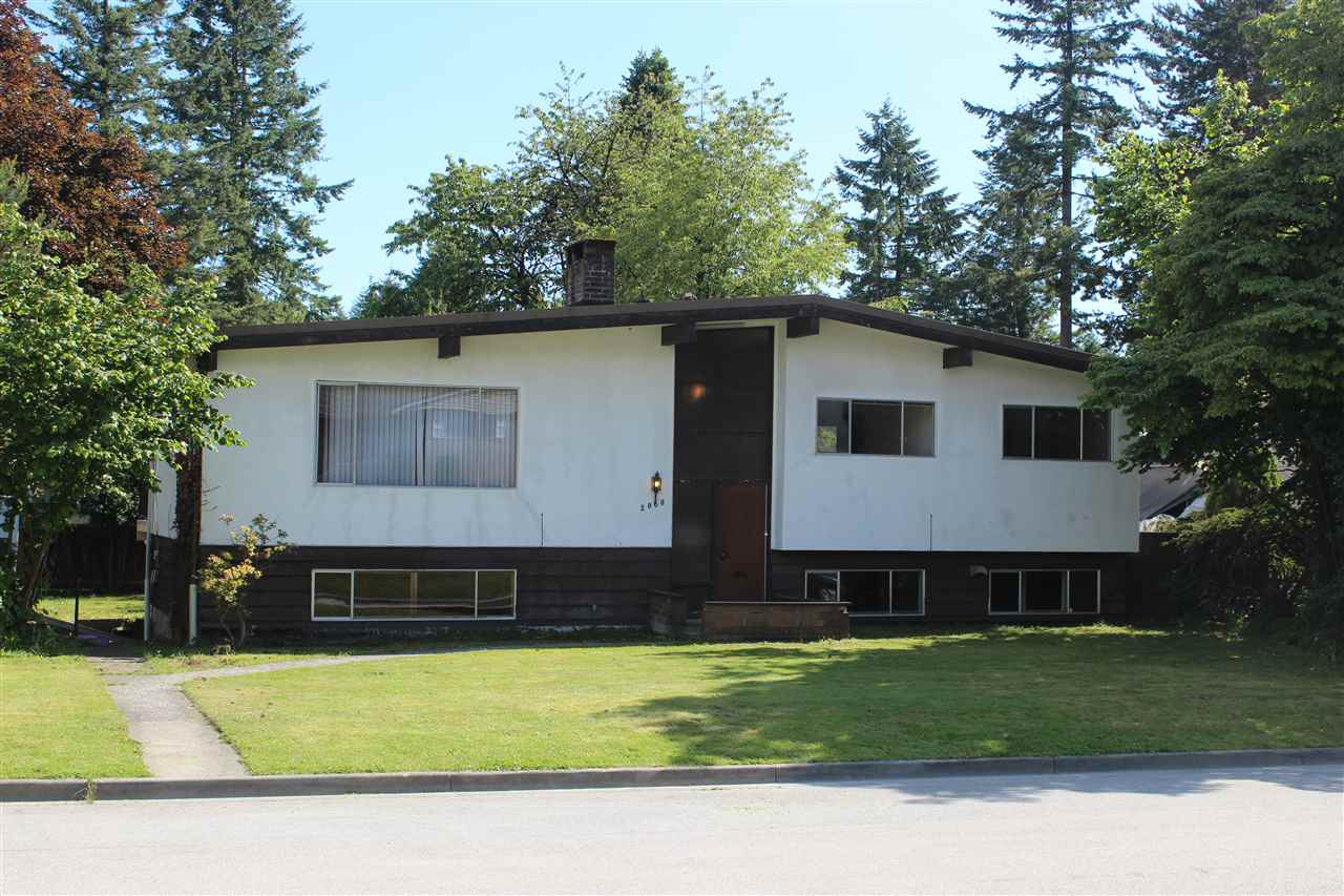 Excellent flat 7040 sq.ft. corner lot located in the Central Coquitlam area. Close to public transit, library, community centre, golf club, restaurant, coquitlam centre mall etc. located in Mundy Road Elementary, Montgomery Middle and Centennial Secondary school district. open house August 13 (2-4pm)
