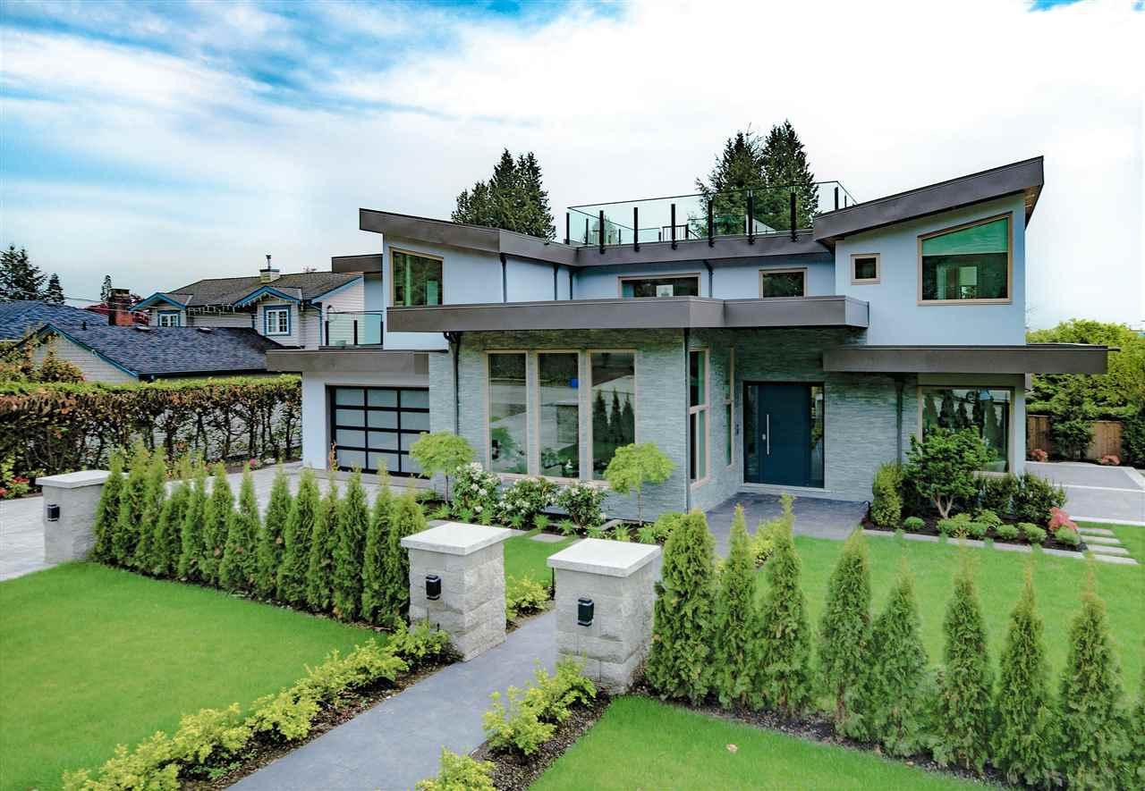 Recently completed this luxurious 4,215 sq.ft. 6 bed/ 6 bath corner lot, built by Bill Curtis is walking distance to Dundarave Village w/ great restaurants, coffee shops and amenities. Enjoy walks on the Seawall just steps from Dundarave Village. Prime location with 3 of the best schools in West Van close by, quick access to the hwy and local mountains yet so close to the ocean. 360 degree views from your one of a kind rooftop deck. This home is complete with Miele Stainless Steel appliances, solid Italian Carrara marble in the mstr bath, engineered h/w floors, designer light fixtures throughout along w/attached garage for added convenience. 2 bed legal suite provides great income potential. Huge Price Reduction! Seller motivated, no reasonable offer refused!Open by appointment.
