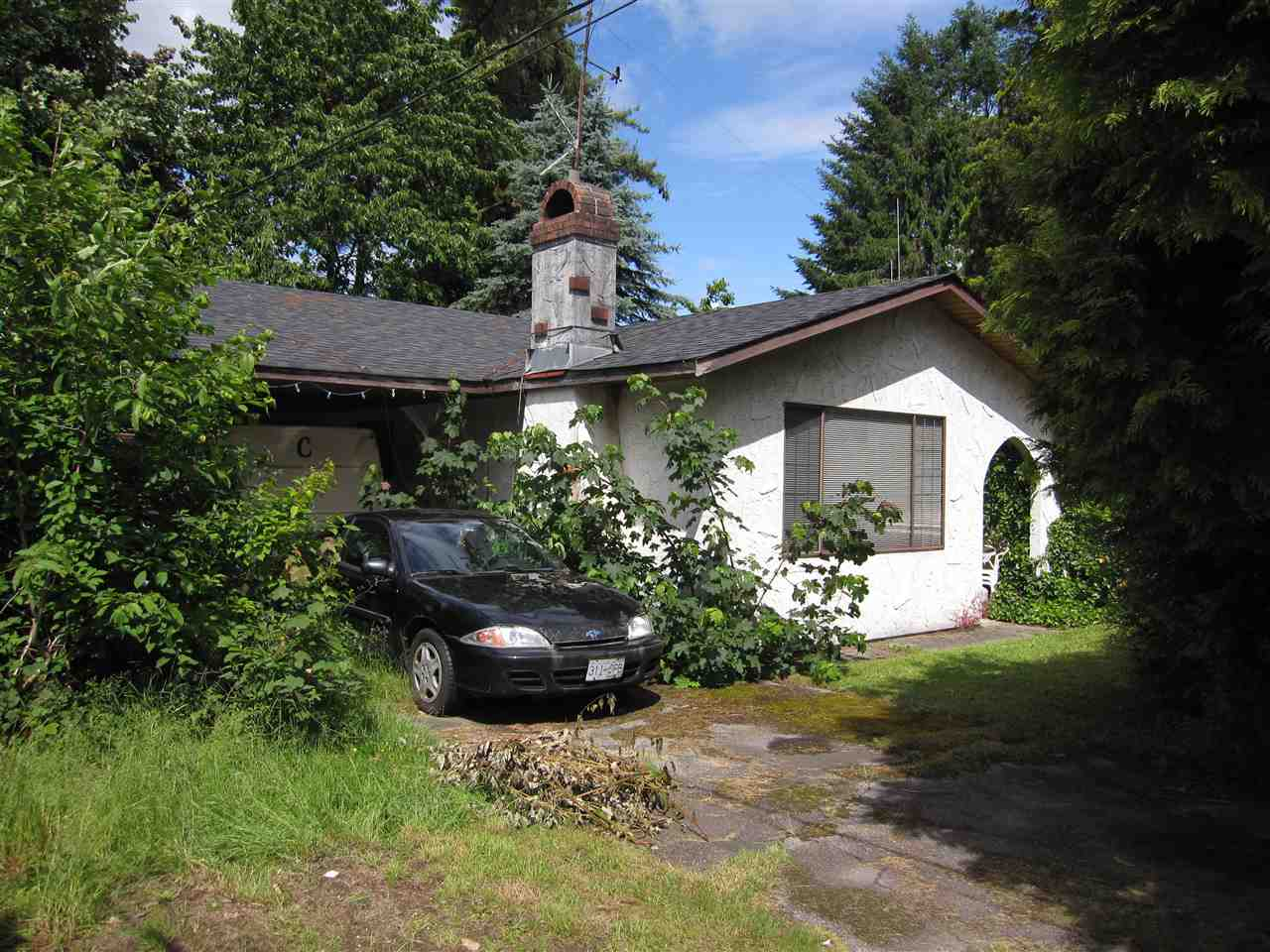 PRIME PITT MEADOWS. Needs lots and lots of tender loving care. 3 bdrm, 2 baths, dining room, living room, kitchen with eating area, crawl space. Big 7200 sq ft lot. Close to all levels of schools, recreation and transit. Bring your hammer.