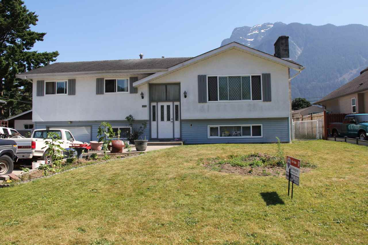 Large family in a great location, rotary trails and mouth of Coquihalla River just one block away. Walk to excellent fishing! Updated kitchen, newer windows and open layout, Five bedrooms and three bathrooms possible. Enjoy great mountain scenery from your backyard deck. Huge fenced yard, lane access.