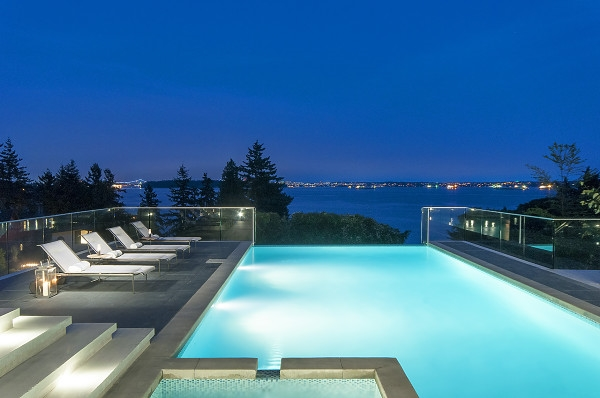Magnificent New Luxury 'Dream Home' with spectacular, south facing, ocean views on one of West Vancouver's most prized street just steps to the beach ... Incredible quality with floor to ceiling windows and large walk out terraces with infinity pool, spa, built in BBQ, outdoor fire pit and heated outdoor dining area. Many feat. Include: Air Conditioning, Elevator, Chinese kitchen. CONTROL-4 Smart Home system. Full nanny or guest suite. Temperature controlled wine room.