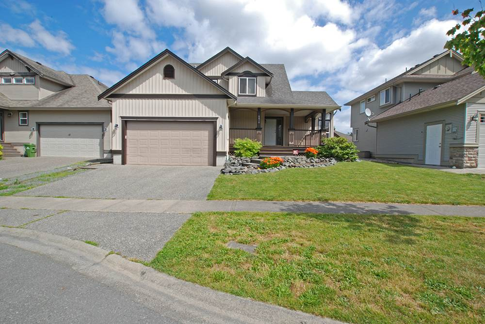 Located in beautiful Sardis Park, this two storey with fully finished basement is waiting for a new family to call it home. Great features include: Master bedroom on main floor, three bedrooms up, gorgeous pond, huge rec-room with bar, large garage, vaulted ceilings, wired for surround sound and much much more.